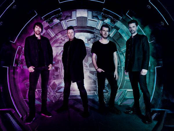 Crystal Dream – U2 Tribute boeken? - Euro-Entertainment B.V.