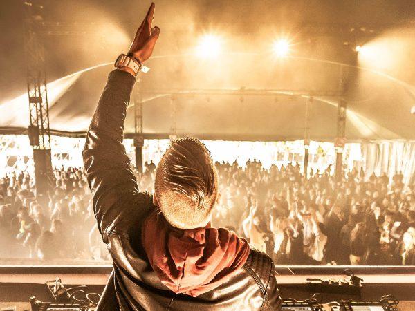 DJ Michel v/d Ark boeken? - Euro-Entertainment B.V.
