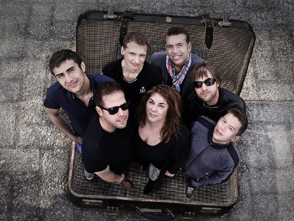 De Koffer boeken? - Euro-Entertainment B.V.