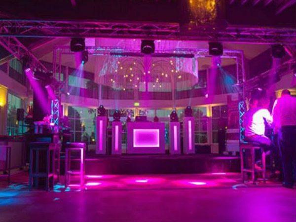 Drive-in Show DJ + DJ Booth boeken? - Euro-Entertainment B.V.