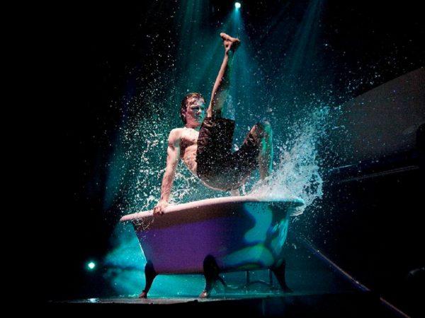 Bath Tup boeken? - Euro-Entertainment B.V.