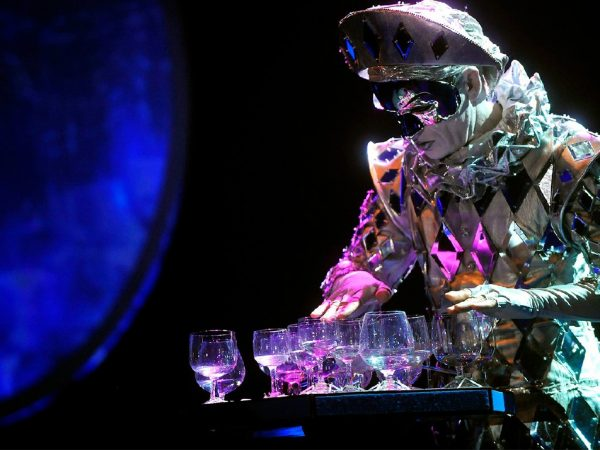 Goddess of Cristal Glass boeken? - Euro-Entertainment B.V.
