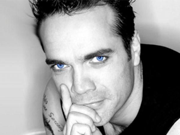 Just Like Robbie Williams boeken? - Euro-Entertainment B.V.