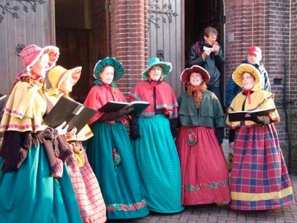 The Charles Dickens Ladies boeken? - Euro-Entertainment B.V.